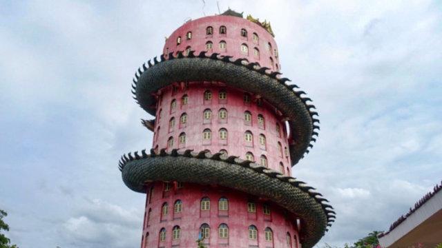 ピンクの塔